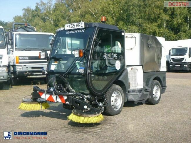 Nilfisk City Ranger CR3500 street sweeper