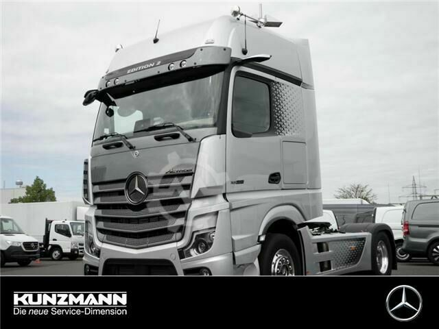 Mercedes-Benz Actros 1858 LS Sondermodell Edition 2 (One of 400)