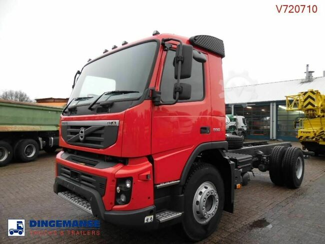 Volvo FMX 330 4x2 NEW (right-hand drive)