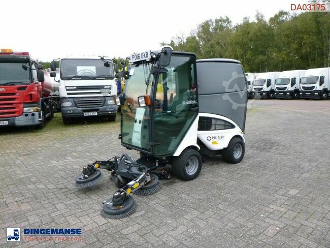 Nilfisk City Ranger CR2250 street sweeper