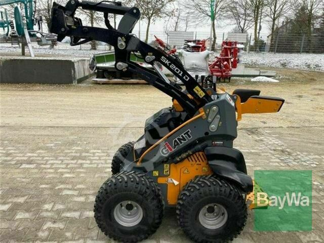 Sonstige/Other Giant Skid Steer SK 201D