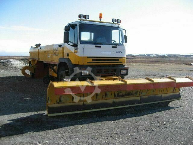 Iveco Fresia 2000 Airport Sweeper 4x4/4