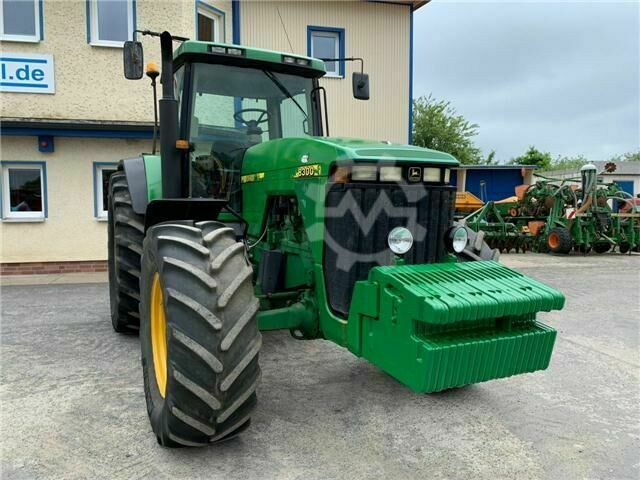 John Deere 8300 PowerShift