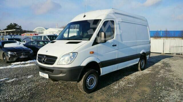 Mercedes-Benz Sprinter 316cdi/ 4X4/ MITTLE/AHK 2t/ 95370km!