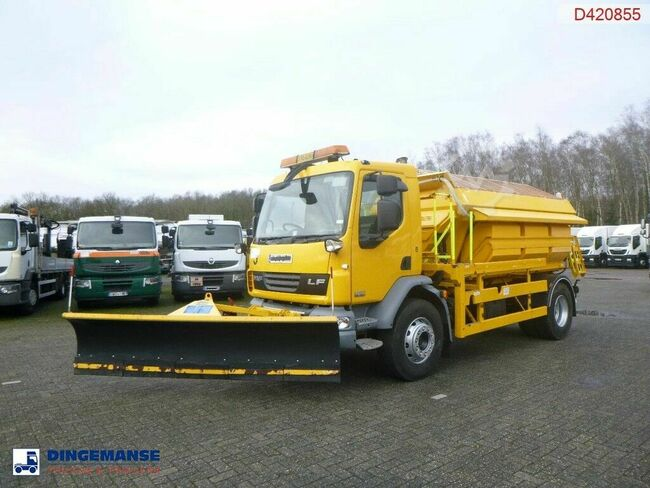 DAF LF 55.220 4x2 RHD snow plough / salt spreader
