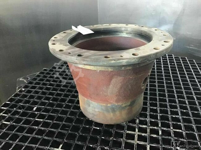 Liebherr Output Shaft Housing