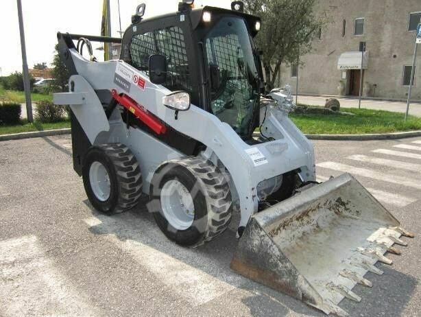 Caterpillar 262C Skid-Steer Loader